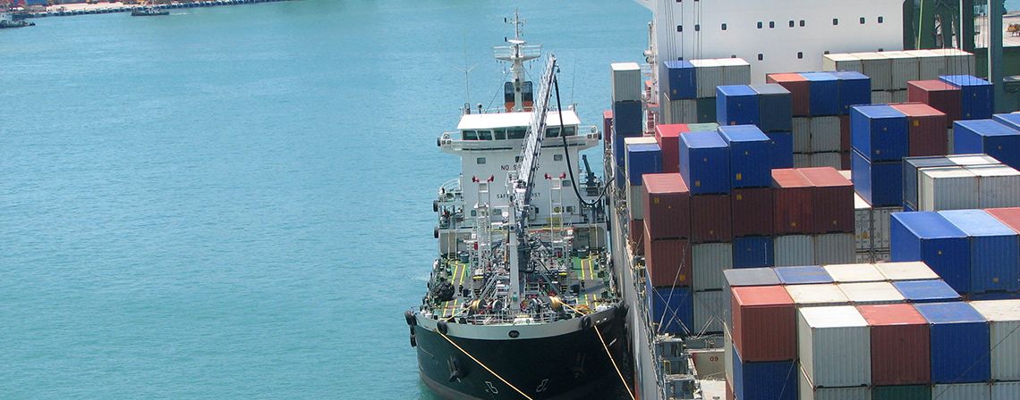 Bunkering container ship